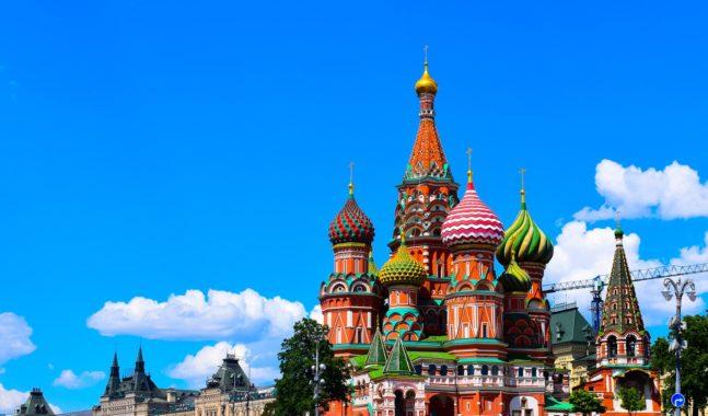 location de vacances à Paris et Moscou